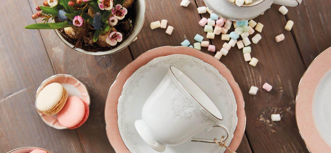 Porcelana Moments od Fyrklövern. Romantyzm w odcieniu pudrowego różu