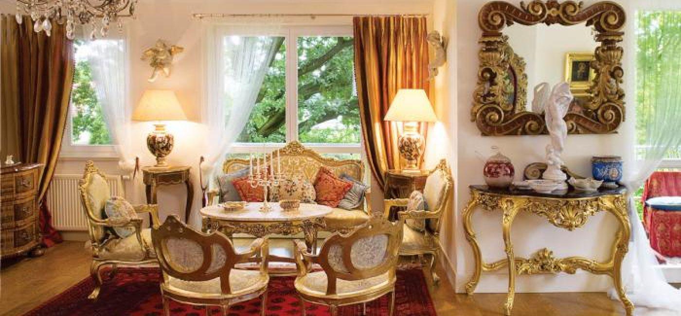 Salon w stylu Ludwika XV. Pałacowy apartament