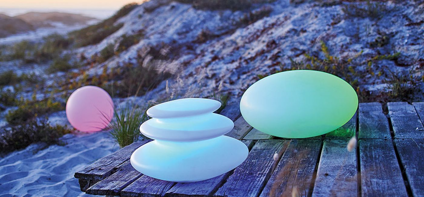 Lampy, które włączają się po zapadnięciu zmroku.