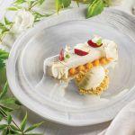 Sernik z białą czekoladą, topinamburem i lodami słony karmel