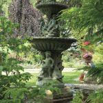 aranżacja ogrodu fontanna