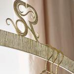 Jedwabne, koronkowe, naszywane złotem i kamieniami – pomysły na suknie przychodzą Sylwii Romaniuk w snach.