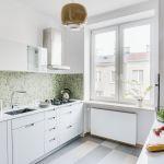 biała kuchnia w mieszkaniu