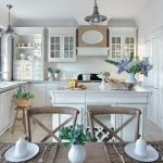 biała kuchnia w stylu francuskim