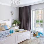duża biała sypialnia