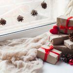 Zobacz również. Dekoracje świąteczne na okno - 10 aranżacji do domu