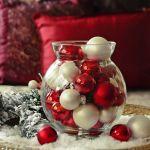 Chcesz samodzielnie wykonać stylowe i eleganckie dekoracje świąteczne DIY w wazonach? Wypróbuj nasze pomysły!