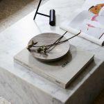 dodatki do domu stół z kamienia