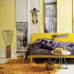 Essential – łóżko na aluminiowej podstawie z drewnianym zagłówkiem holenderskiej marki Auping, ok. 12 500 zł,