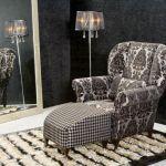 Fotel Chopin z kolekcji Country obity tkaniną z szenilu z wytłaczanym welurowym wzorem. Cena - 2188 zł. MEBELPLAST
