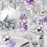 Dekoracja stołu: srebro i fiolet. Jak udekorować stół wigilijny? Ponad 30 świątecznych aranżacji