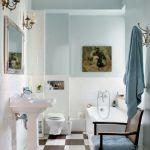 Kolor do łazienki Irena podpatrzyla w amerykańskim magazynie. Przedwojenne żyrandole dostała w spadku po poprzednim