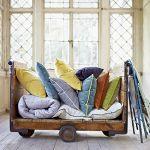 Kolorowe poduszki z serii Take a Nap Home Textiles Collection 2013, NAP