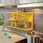 Urządzamy kuchnię: kolorowe meble i agd