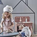 Kuchenka dziecięca z drewna