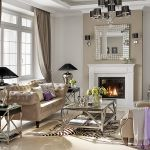 Lampy i stoliki kawowe od Eichholtz. Srebrna zastawa - Savoya Home.