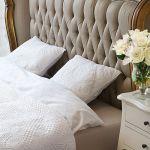 Łóżko obite jedwabiem od Black Bear House, Blackbearhouse.pl
