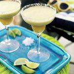 Margarita z ananasem i miętą. Przepisy na leniwą niedzielę