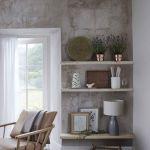 Ściany w salonie nie muszą być białe, a modne kolory w sypialni to nie tylko pastele. Zebraliśmy najnowsze trendy