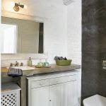 Nowoczesna łazienka. Loft urządzony deskami ze starej stodoły