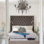 aranżacja klasycznej sypialni w szarościach