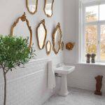 biała łazienka lustra