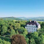 Barokowy pałac w Piszkowicach ukryty w zieleni