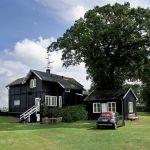 Posiadłość w Dronningmolle, leżącą pięćdziesiąt kilometrów od Kopenhagi, kazała wybudować ponad sto lat temu królewska