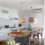kuchnia z kamiennym stołem