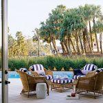 Rattanowe meble ogrodowe sprawdzają sie na goroącej Florydzie.