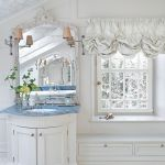 rezydencja z oranżerią łazienka lustro