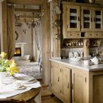 Meble kuchenne z drewna.