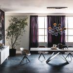 30 stołów do jadalni z blatami z drewna, kamienia i szkła