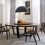 okrągły drewniany stół do jadalni