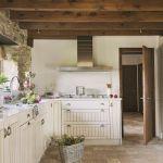 w rustykalnym stylu kuchnia drewno belki