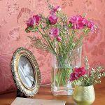 Stylowe ozdoby, świeże kwiaty. Mieszkanie w bloku: stylowe i kolorowe