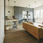 mieszkanie w stylu vintage kuchnia z jadalnią