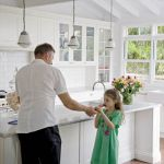 Urządzając kuchnię dekoratorka kierowała się czystym minimalizmem.