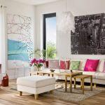 W salonie wisi sitodruk z brzozami, które Ann-Christine przypominają rodzinne strony.