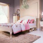 W stylu romantycznym – sypialnia Nancy, łóżko 160 x 200 cm, ok. 1860 zł, ADB