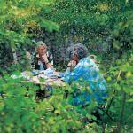 Właściciele tak zaplanowali ogród, żeby z miejsc, w ktorych najchętniej wypoczywają, roztaczał się piękny widok.