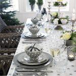 świąteczne aranżacje stołu w szarym kolorze