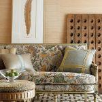 Zimmer+Rohde: kanapa obita tkaniną Borobadur, od 614 zł, puf Anaconda (771 zł), poduszka Bratford (z prawej) –