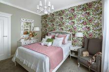 tapety w kwiaty do sypialni