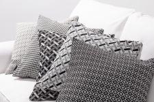 Poduszki dekoracyjne czarno-białe