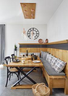 drewniany narożnik w kuchni