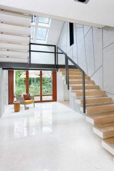 nowoczesny dom ze schodami