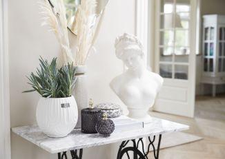 Dekoracyjne popiersie Serafina rzeźba Lene Bjerre