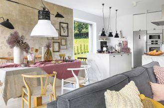 salon z kuchnią aranżacja w stylu skandynawskim