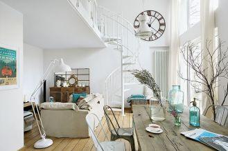Metalowe ażurowe schody (Atrium) składają się jak wachlarz.